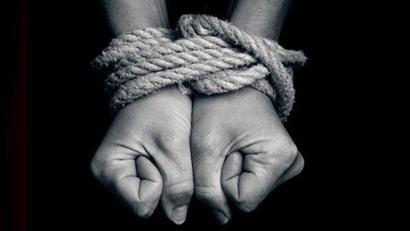 O trabalho análogo à escravidão não se dá apenas quando o trabalhador está impedido de ir e vir.... Basta lhe tirarem a dignidade