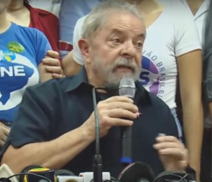 Lula, pelo comentário impróprio, deveria pedir desculpas a Janot.
