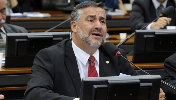 Paulo Pimenta (PT-RS) cobrou uma explicação do ministro da Justiça. Mas isso ainda é pouco. É preciso ir fundo nesta questão. (Foto de Luiz Macedo)