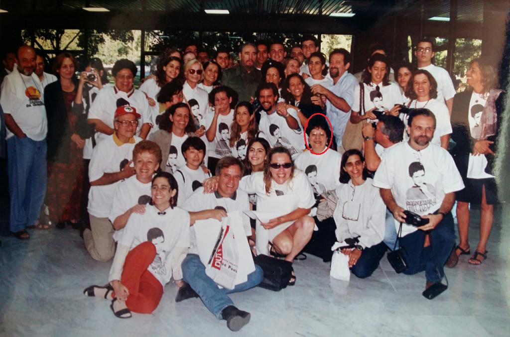 Em 2001, participantes dos Grupos de Oração que frei Betto criou em 1979 no Rio, São Paulo e Belo Horizonte estiveram em Cuba e foram apresentados a Fidel Castro. No destaque, Marilda Varejão.