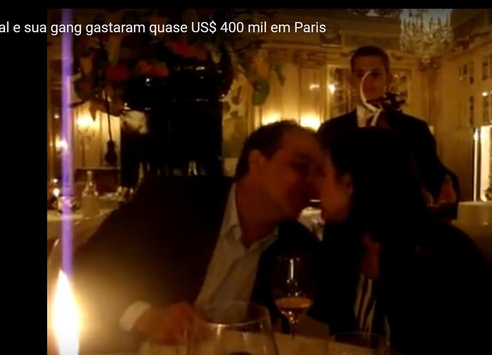 Os US$ 400 mil gastos em farra em Paris pelo ex=governador Cabral, sua mulher Adriana e amigos, é parte do dinheiro que hoje querem retirar do salário dos funcionários públicos do Rio. Reproduçao