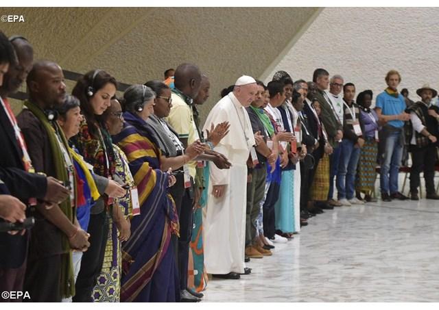 O Papa Francisco falou a mais de três mil pessoas no encerramento da III Jornada com Movimentos Sociais - Foto Reprodução Radio Vaticano