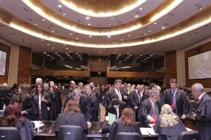Na eleição do dia 5 de dezembro, quando Luiz Zveiter foi eleito com 113 votos, participaram 174 dos 190 desembargadores. Hoje o quórum poderá ser maior. (Foto Luís Henrique Vicent/TJR)