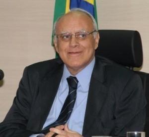 Luiz Fernando Ribeiro derrotou Zveiter na eleição de 2104, agora será substituído por el.