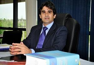 juiz da 3ª Vara Federal de Rio Branco, Jair Araújo Facundes,