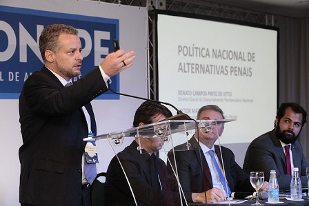 Vitto e sua análise da questão carcerária em encontro promovido pelo CNPJ, onde hoje assessora a ministra Cármen Lúcia. Foto: Luiz Silveira/Agência CNJ.