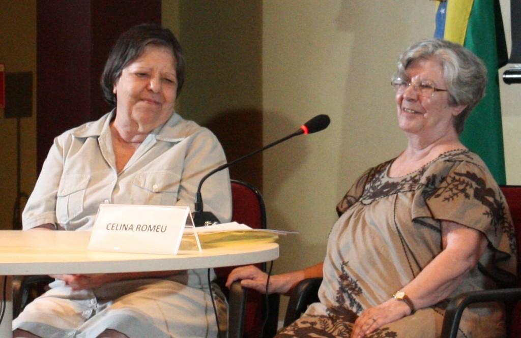 Inês Etienne (esq.) e Celina Romeu no depoimento de Inês, lido por Celina, à Comissão Nacional da Verdade, no Rio de Janeiro, em março de 2014. Foto CNV