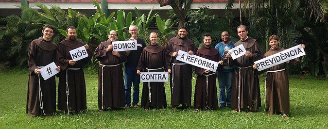 Franciscanos contra a reforma da Previdência, foto extraída do Jornal TodaPalavra -http://www.todapalavra.info/single-post/2017/04/12/As-igrejas-contra-o-governo