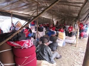 17.05.11 desmonte do acampamento5