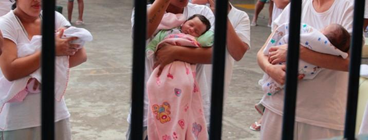 """foto extraída do artigo """"Os Filhos da Outra: a mulher e a gravidez no cárcere"""" de Taysa Matos (https://taysamatos.jusbrasil.com.br/artigos/380763026/os-filhos-da-outra-a-mulher-e-a-gravidez-no-carcere)"""