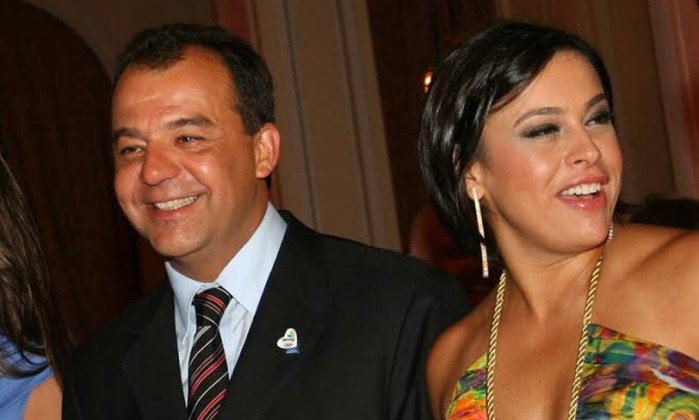 O casal Adriana Anselmo e Sérgio Cabral tinham em sua residência governanta paga pelo Senac. Maria Angélica recebia R$ 20 mil mensais,